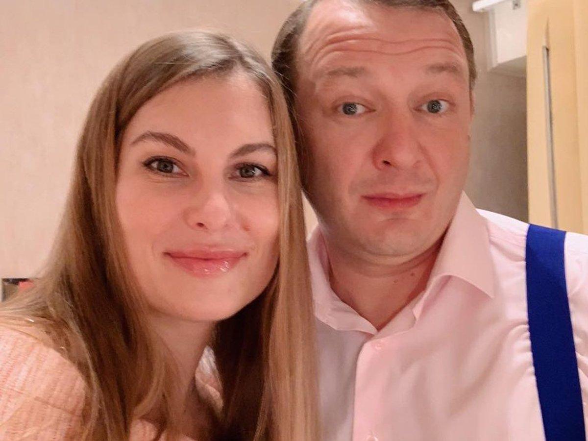 Бывшая жена напала на Башарова при ребенке, попав на видео