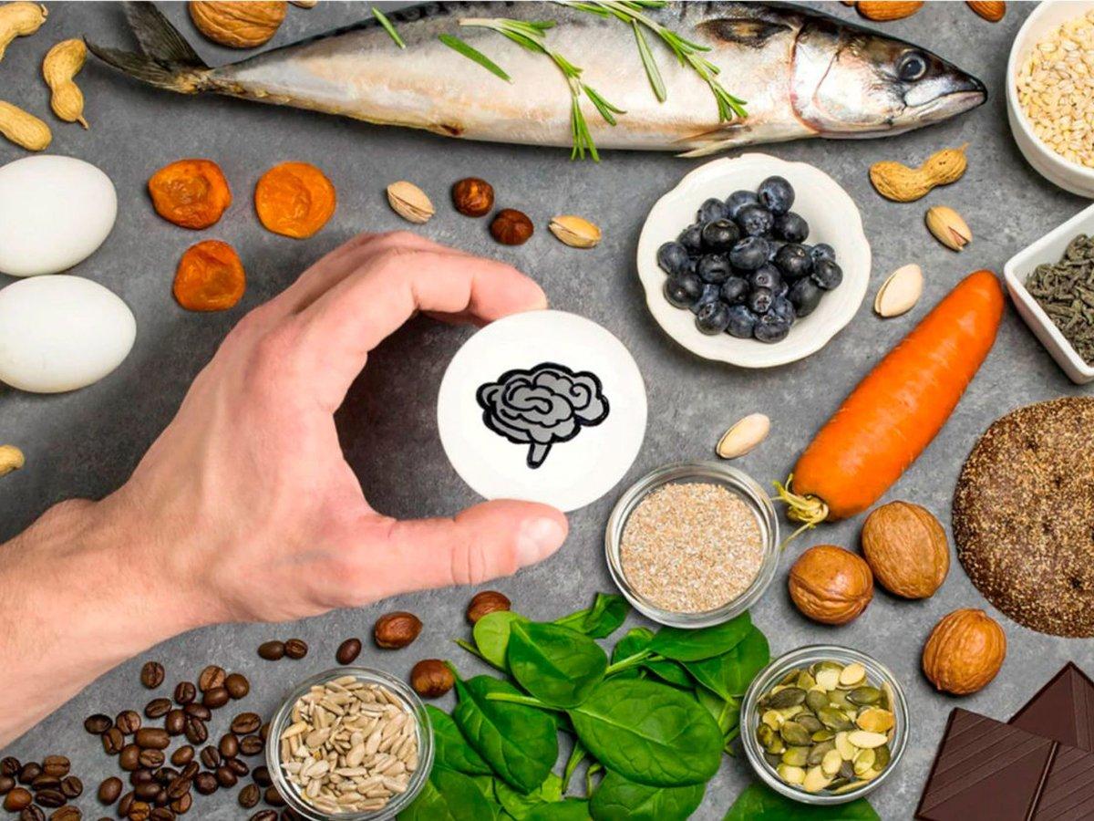 Названа самая опасная для мозга еда