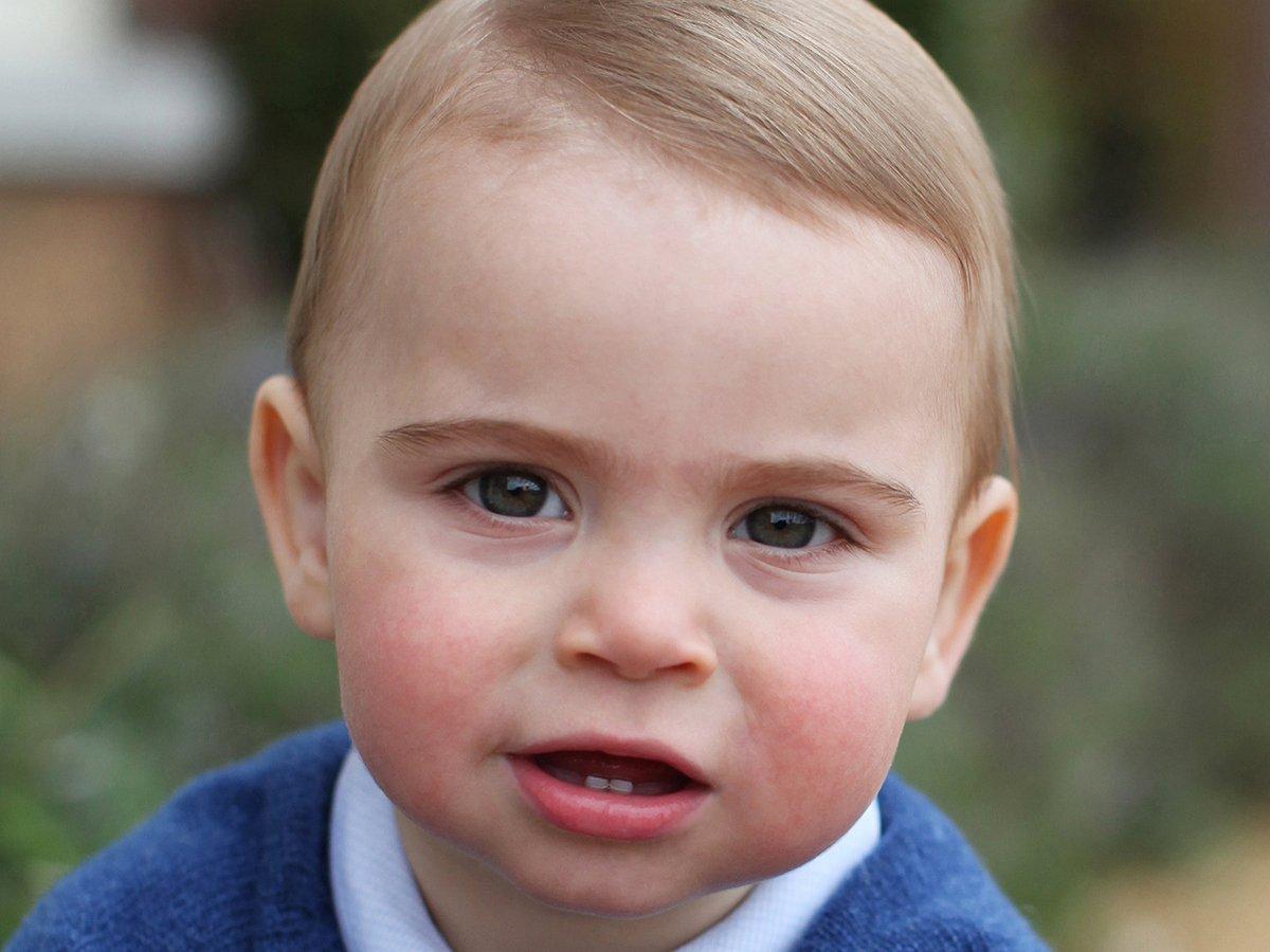 Принц Уильям и Кейт Миддлтон показали новые фото принца Луи