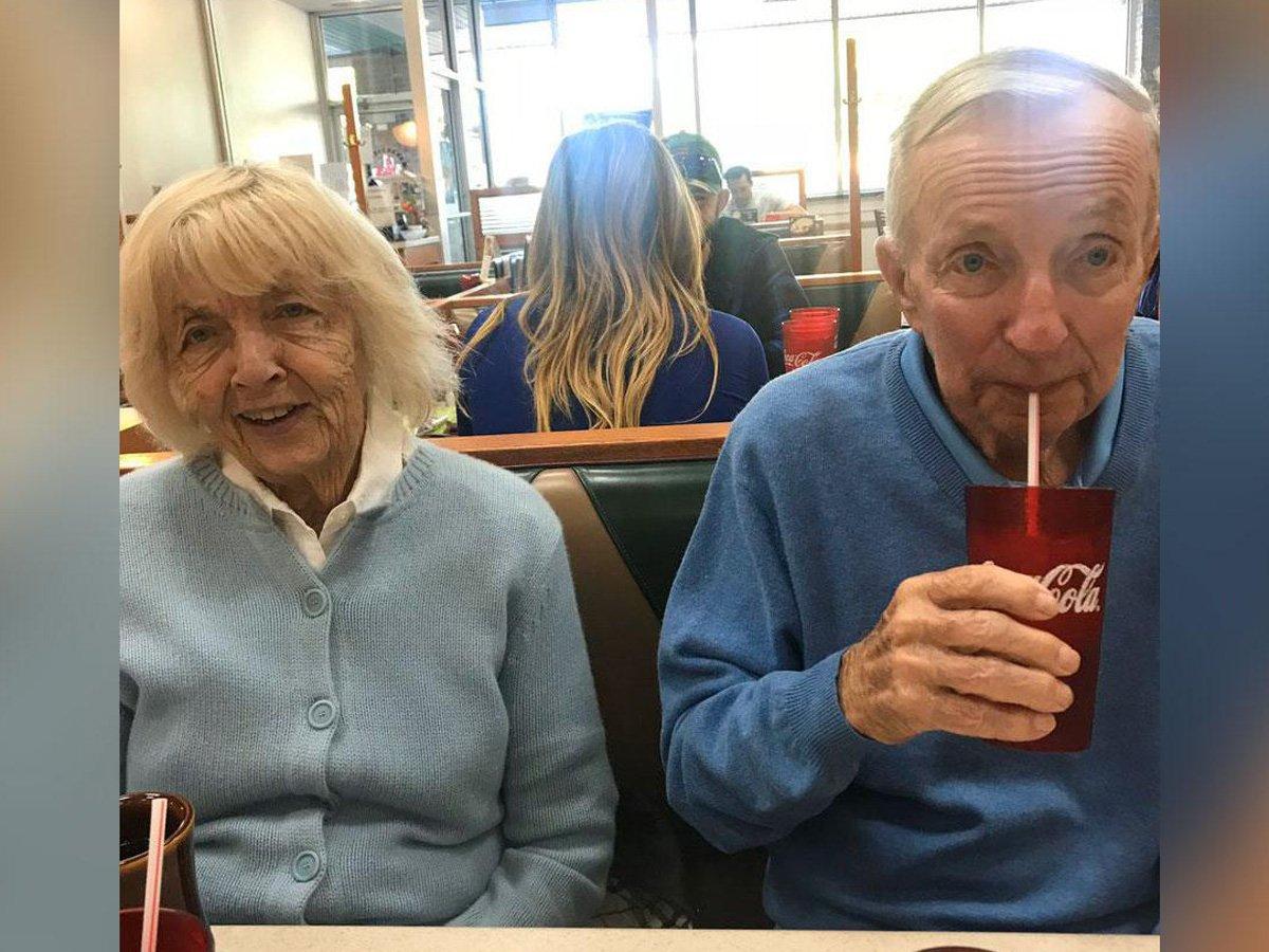 """""""Взявшись за руки"""": прожившие в браке 73 года супруги умерли от коронавируса в один день"""