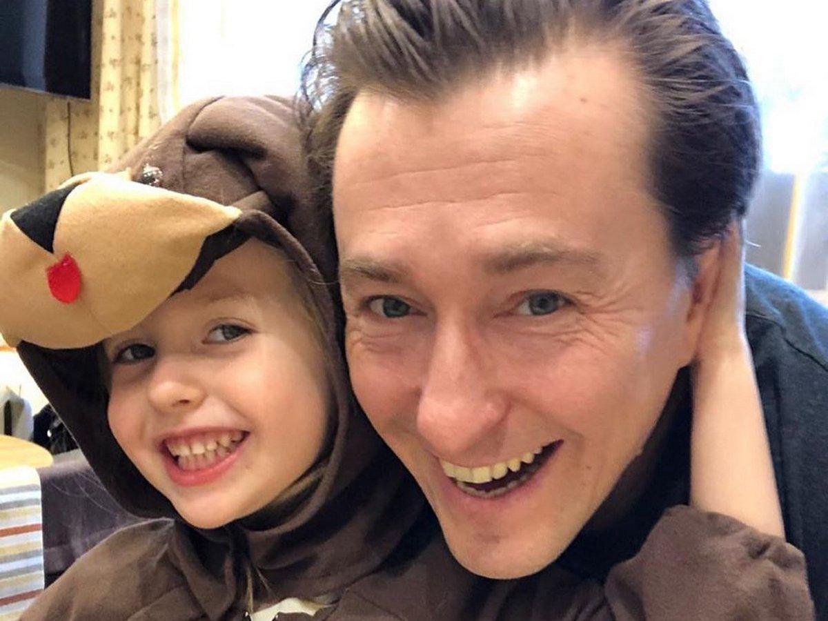 Сергей Безруков и Мария Порошина выложили видео с детьми