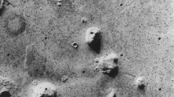 Странные находки на снимках поверхности Марса