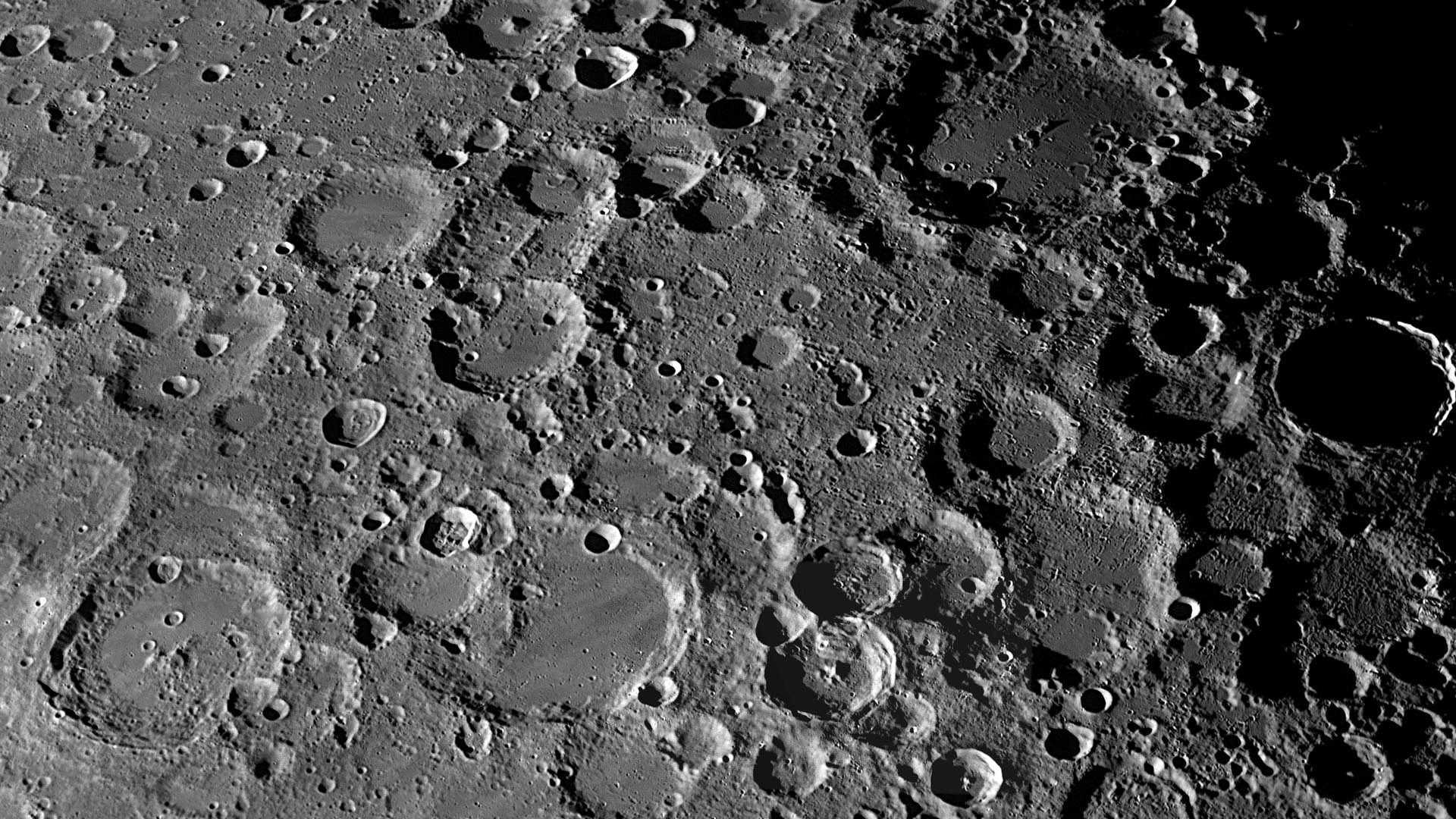 Чанъэ-5 нашел самые молодые вулканические породы Луны (16 9)