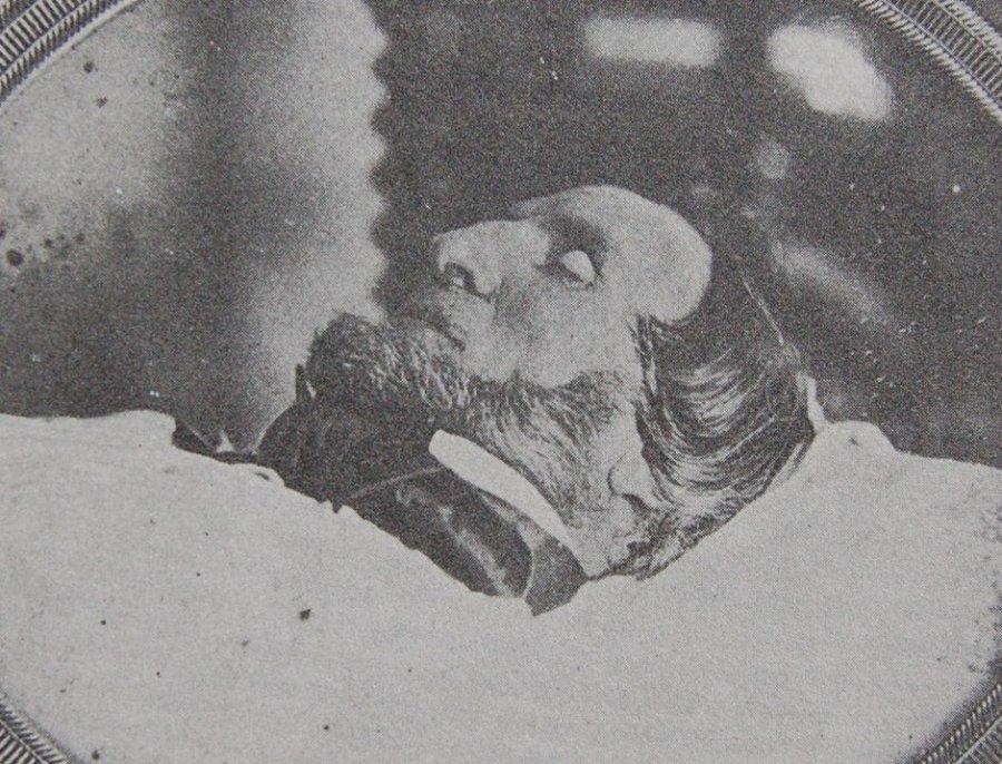 Знаменитости, которым не давали покоя даже после смерти