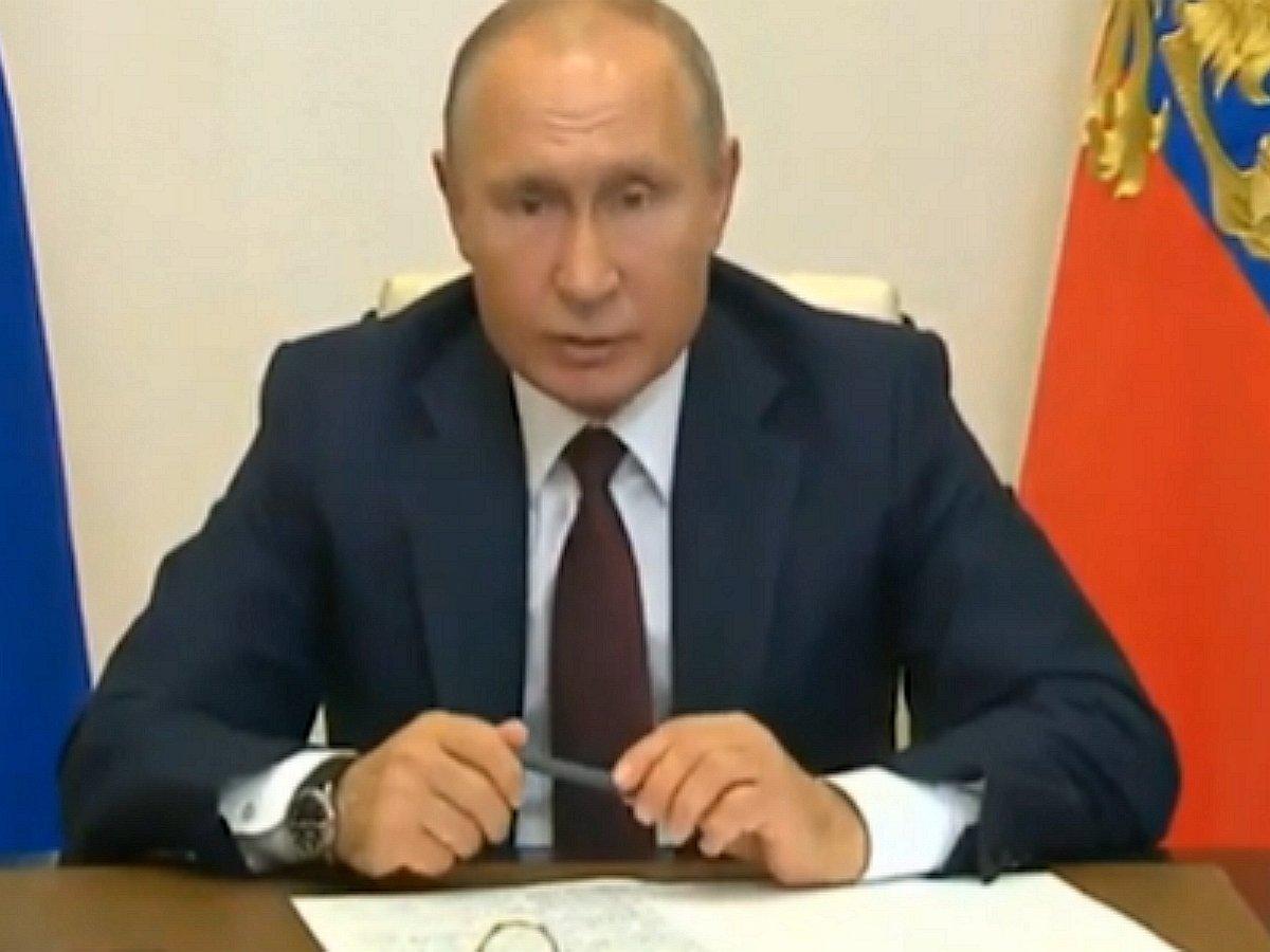 Путин швырнул ручку на совещании
