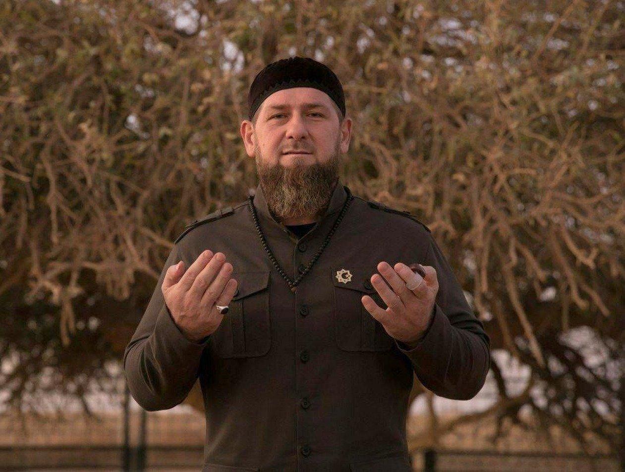 «Бодрый и здоровый»: Кадыров рассказал, где находится