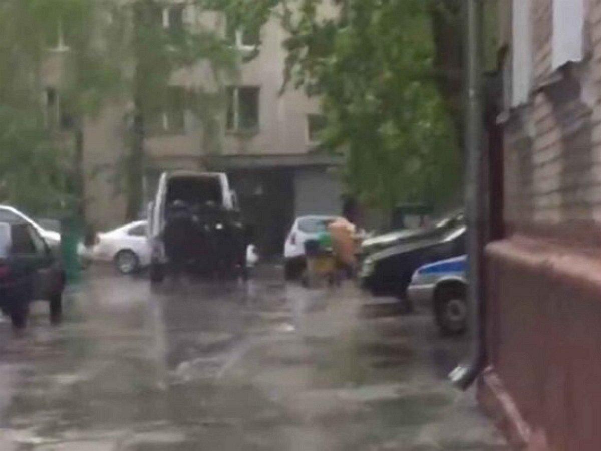 Стрельба из автомата в Москве