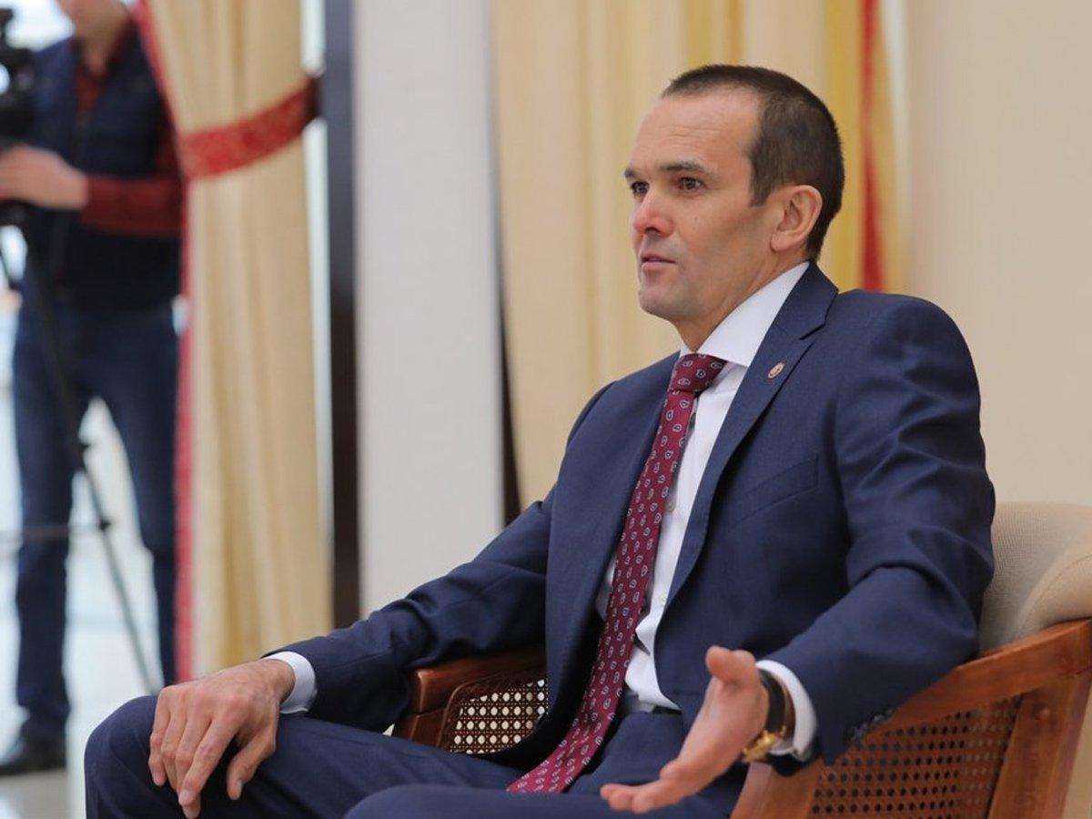 Экс-губернатор Чувашии подал иск на Путина