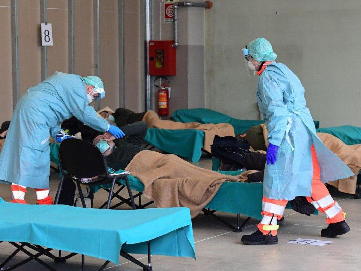 СМИ: каждый шестой зараженный COVID-19 в Петербурге – врач