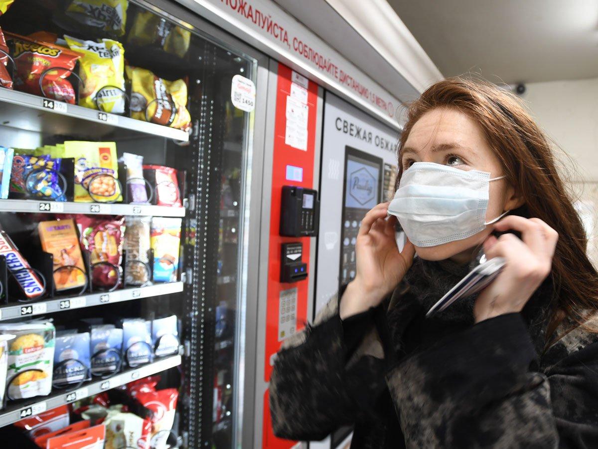 Москва вводит режим обязательного ношения масок и перчаток в общественном транспорте: за нарушения будут штрафовать