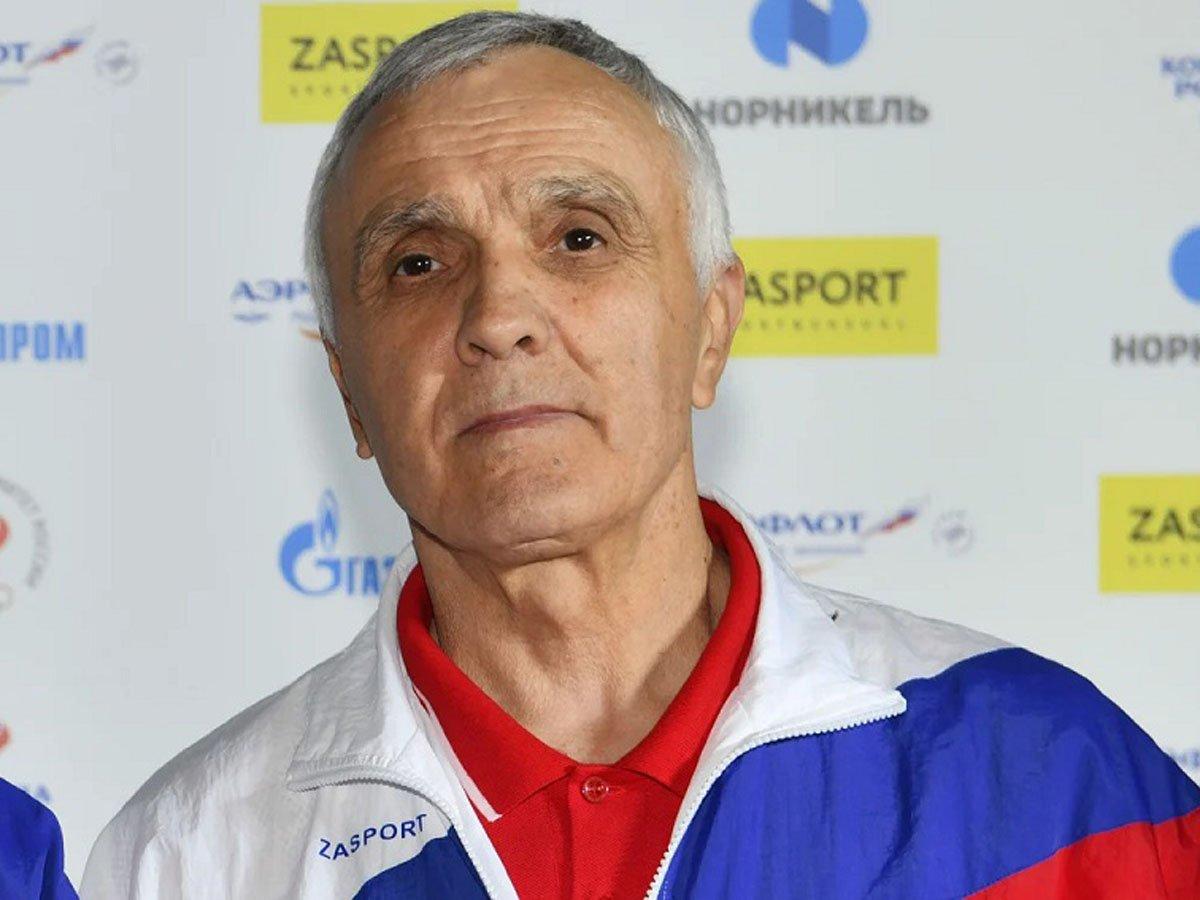 Главный тренер сборной России по борьбе умер от коронавируса