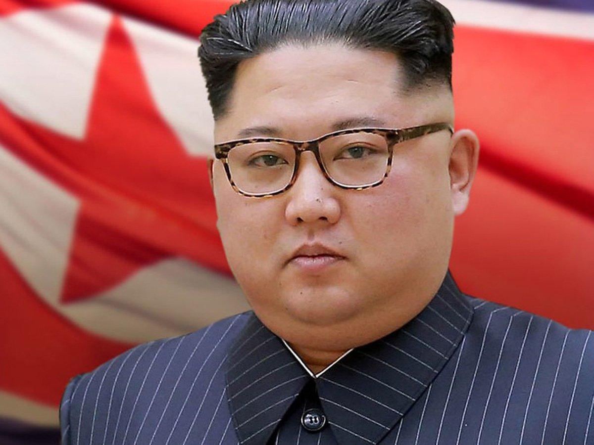 """На руке """"ожившего"""" Ким Чен Ына нашли загадочный след"""
