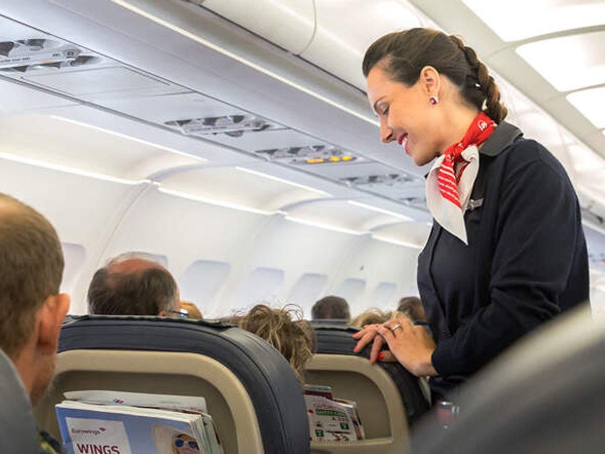 Стюардесса рассказала о странностях в работе после пандемии