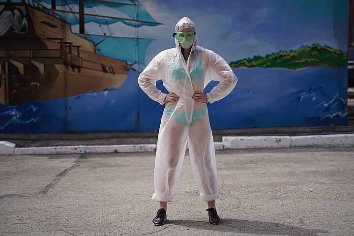 Тульскую медсестру в купальнике поддержали флэшмобом