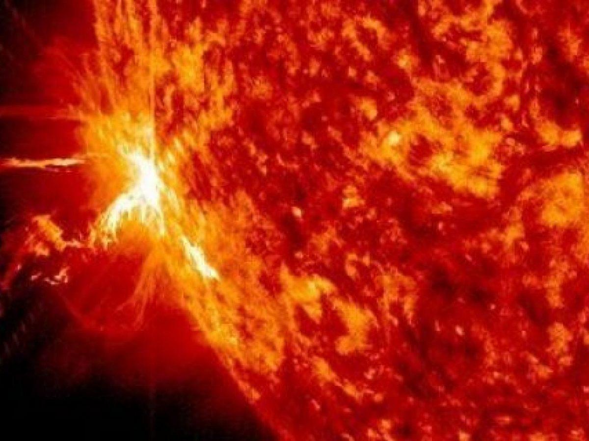 НАСА выпустила таймлапс вращения Солнца в течение 10 лет