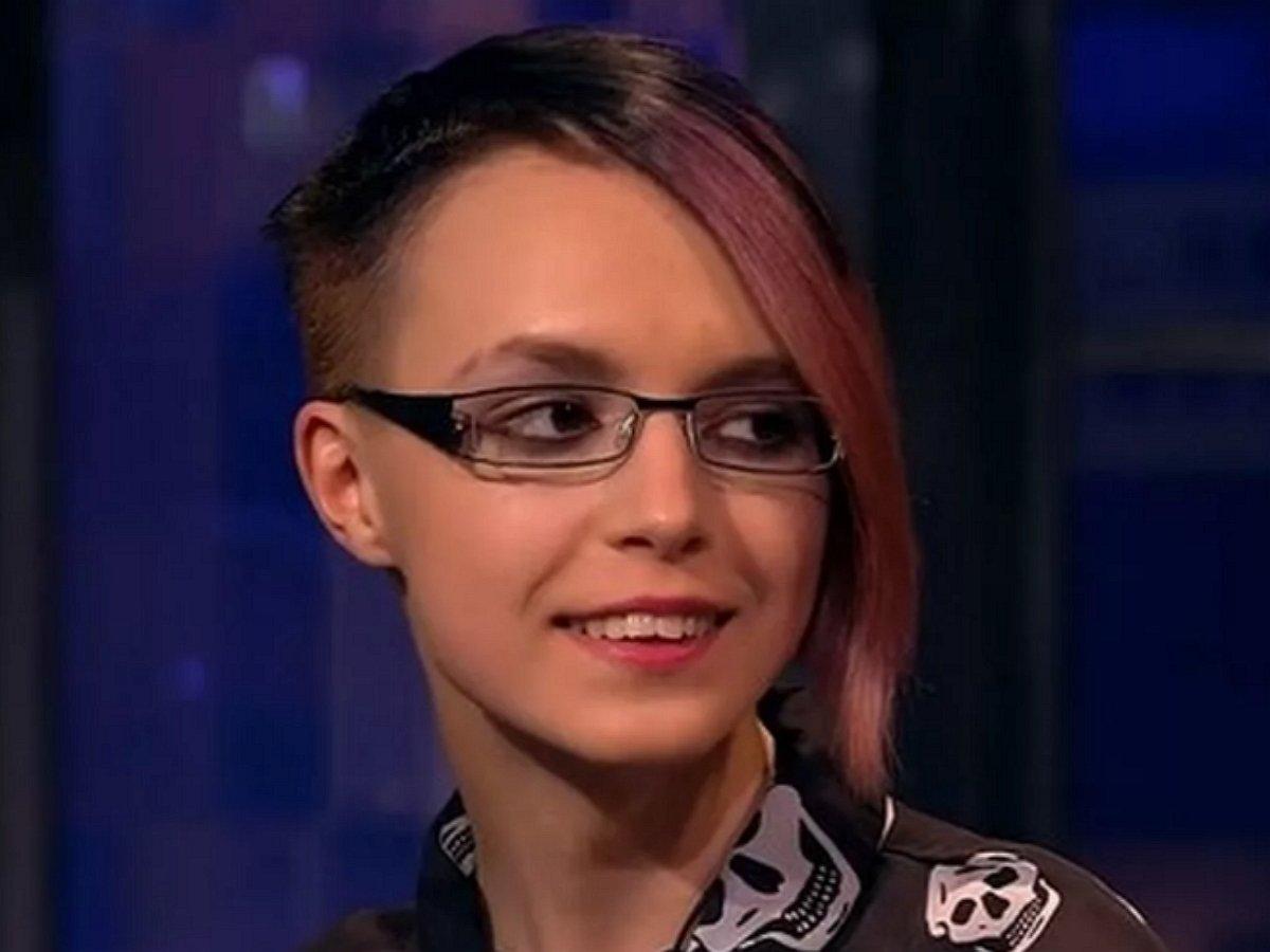 Журналиты начали охоту за дочерью Ефремова