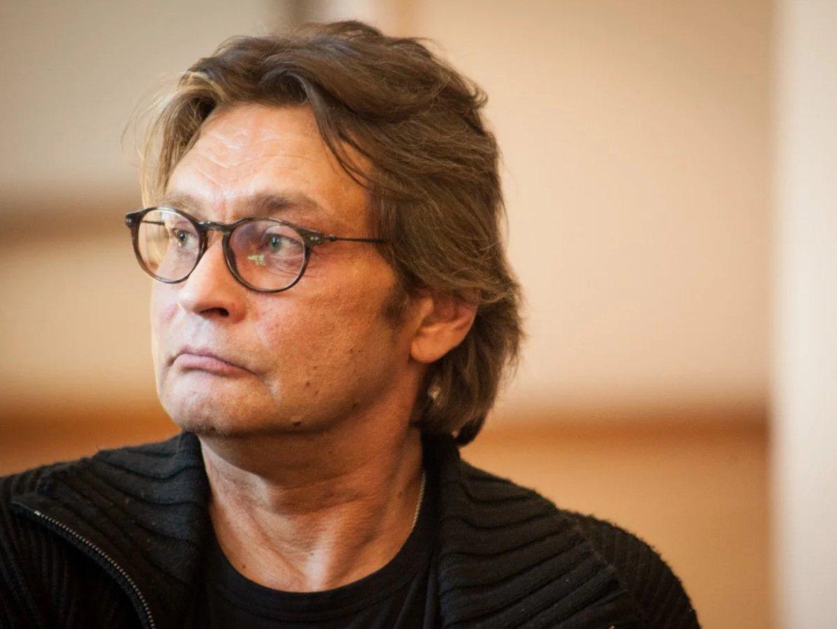 Домогаров заступился за Ефремова и отказался выходить на сцену