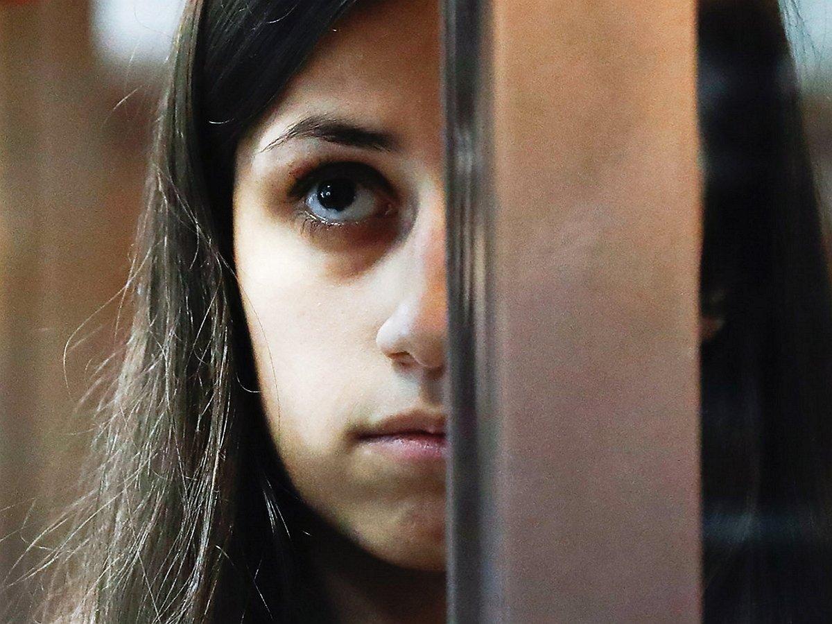 В телефонах сестер Хачатурян и отца нашли секс-записи