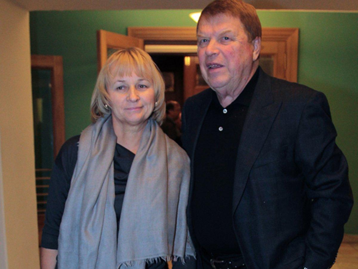 Кокшенов с женой