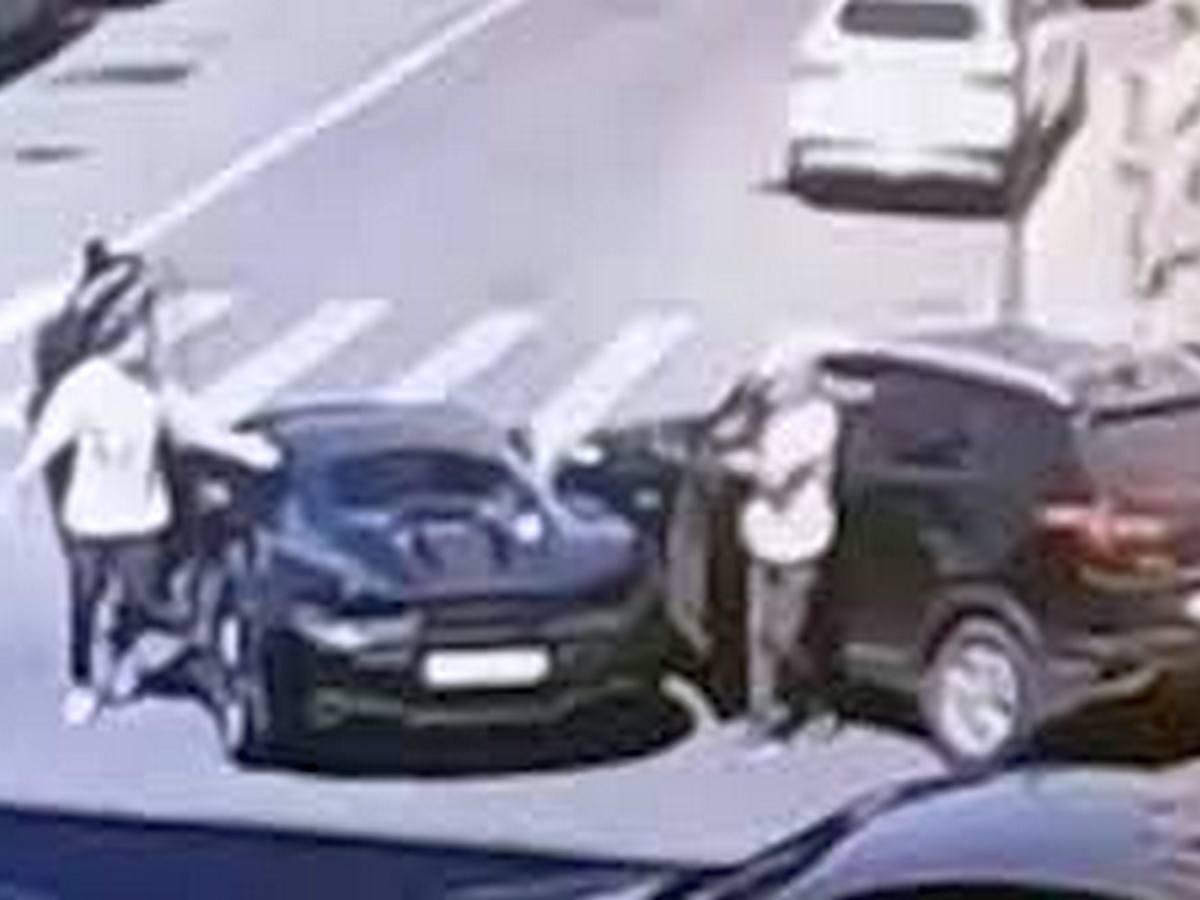 Момент столкновения спорткара McLaren и Hyundai Creta попал на видео