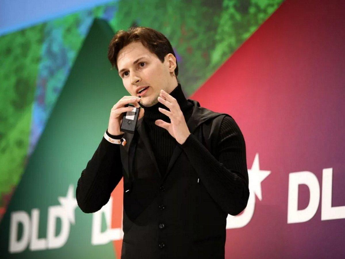 Дуров пригрозил судом Instagram и Facebook