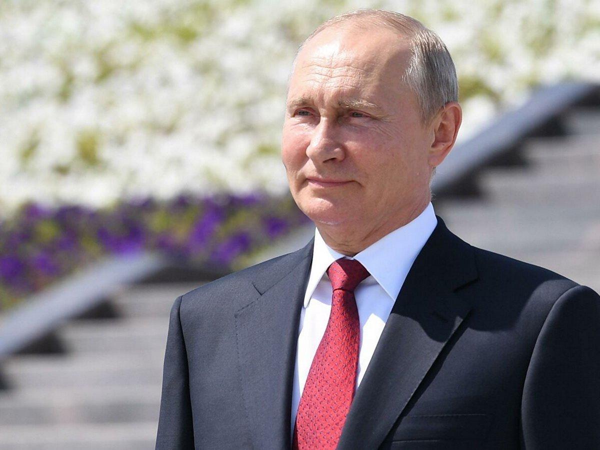Путин посетил главный храм ВС РФ