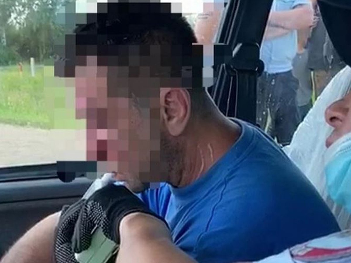 В Башкирии пьяный водитель на легковушке сбил двух подростков