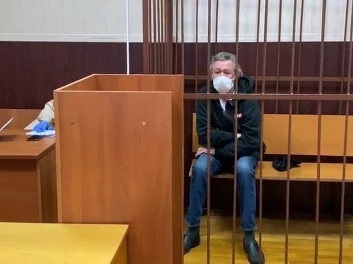 Ефремов готов усыновить детей Захарова