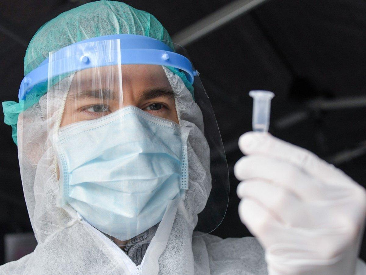 Врачи рассказала о вреде коронавируса для мужчин