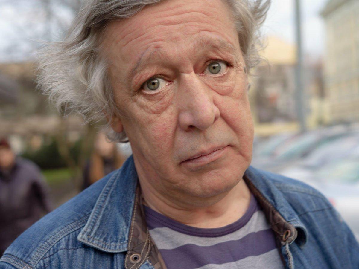 Михаил Ефремов отказался от алкоголя и вождения