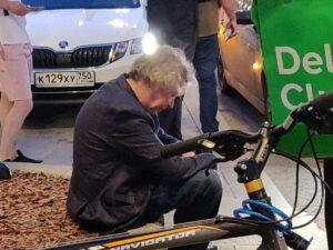 Пьяный Михаил Ефремов попал в ДТП в центре Москвы