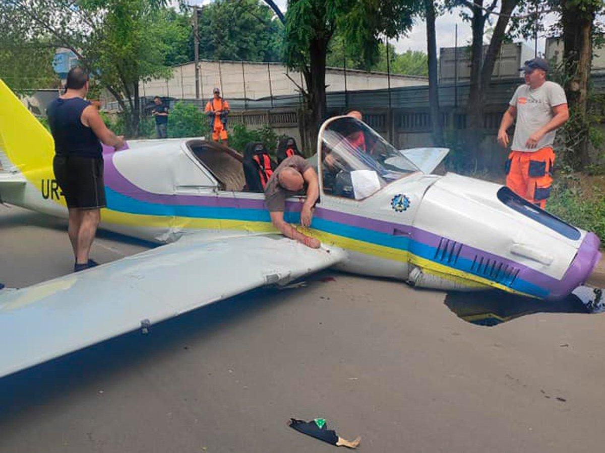 В Одессе разбился легкомоторный самолет