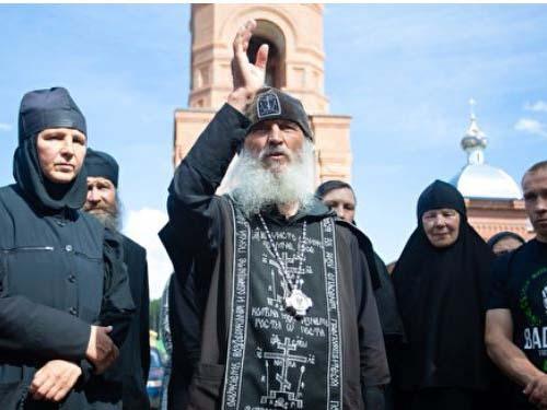 Опальный экс-духовник Поклонской, захвативший монастырь, дал интервью