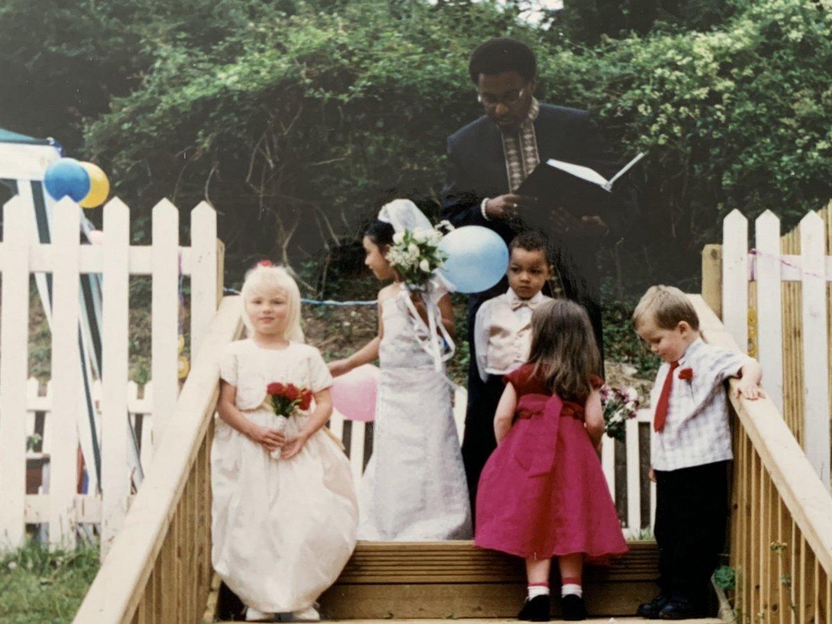 Свадьба в детском возрасте попала в Твиттер