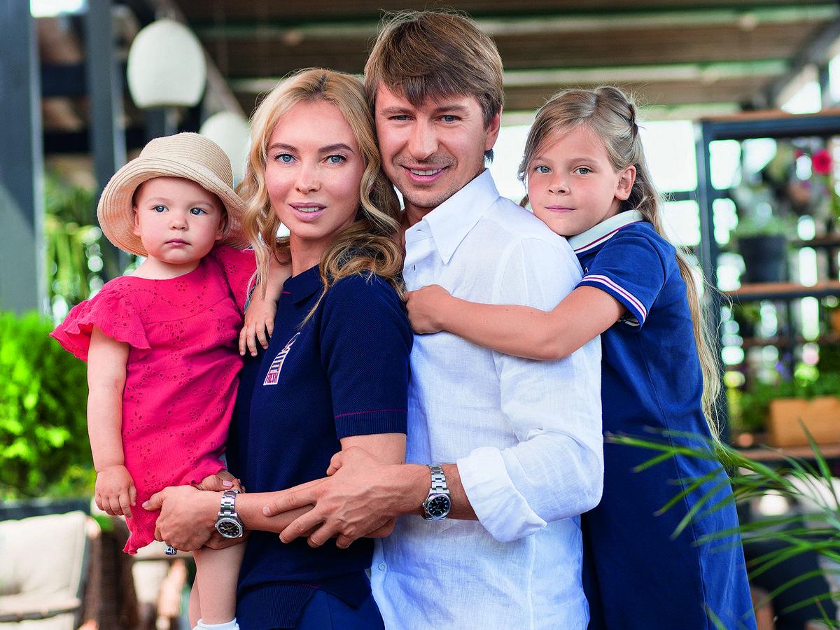Ягудин с семьей