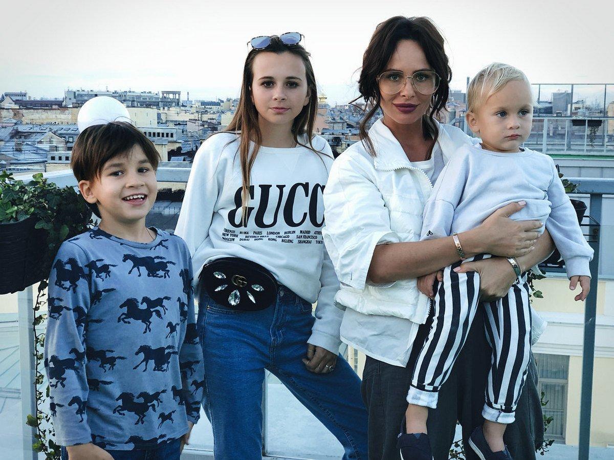 Саша Зверева родила четвертого ребенка