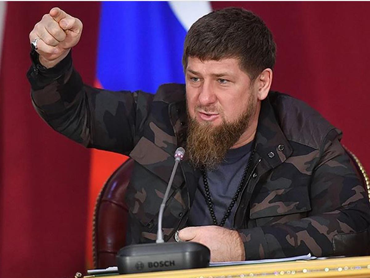 Кадыров потребовал от бюджетников подписаться на соцсети ТК «Грозный»