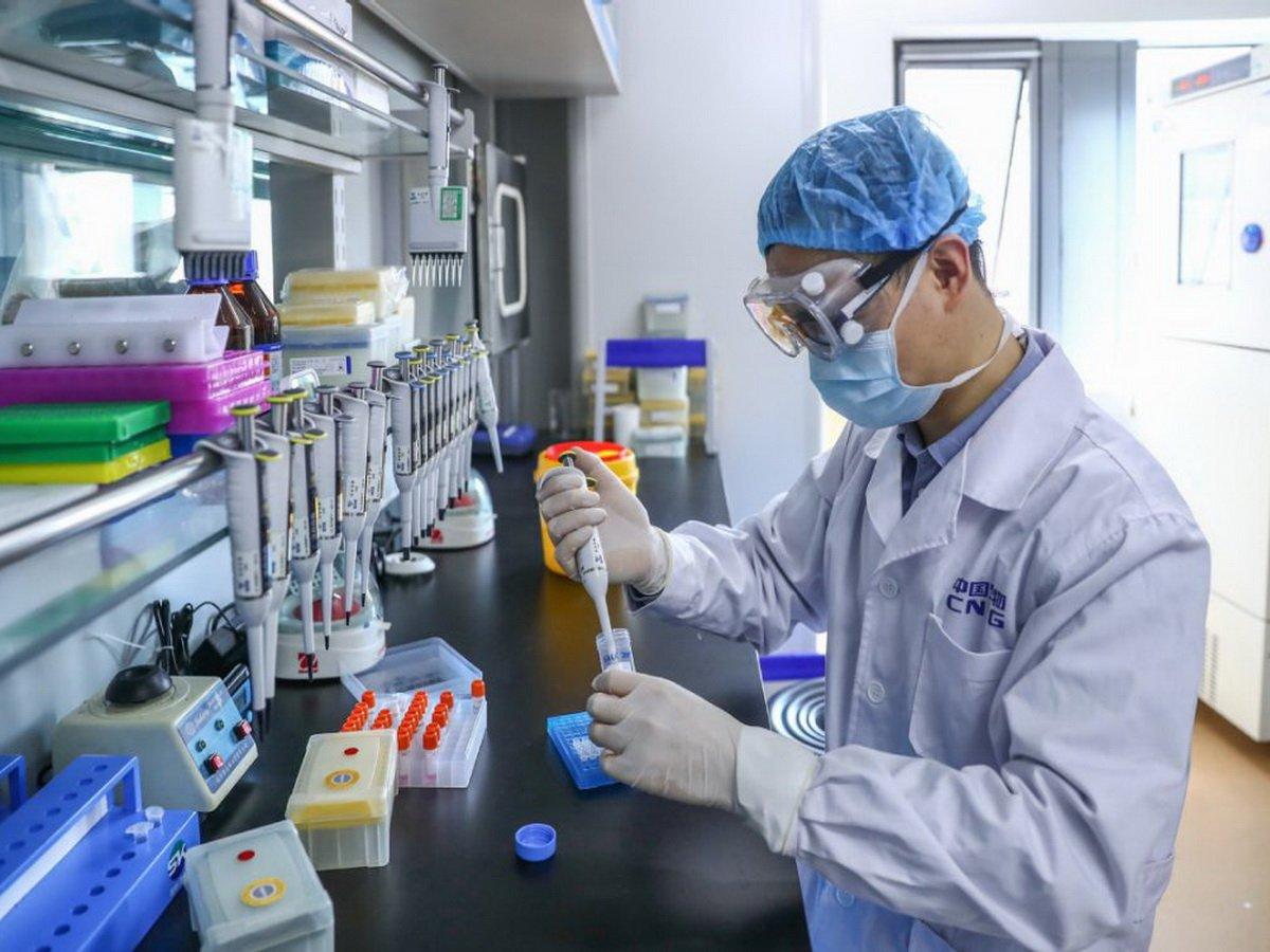 Вакцина от коронавируса проходит испытания в России