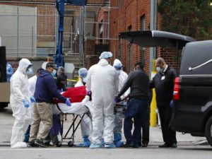 Коронавирус обнаружен у рекордного числа американцев