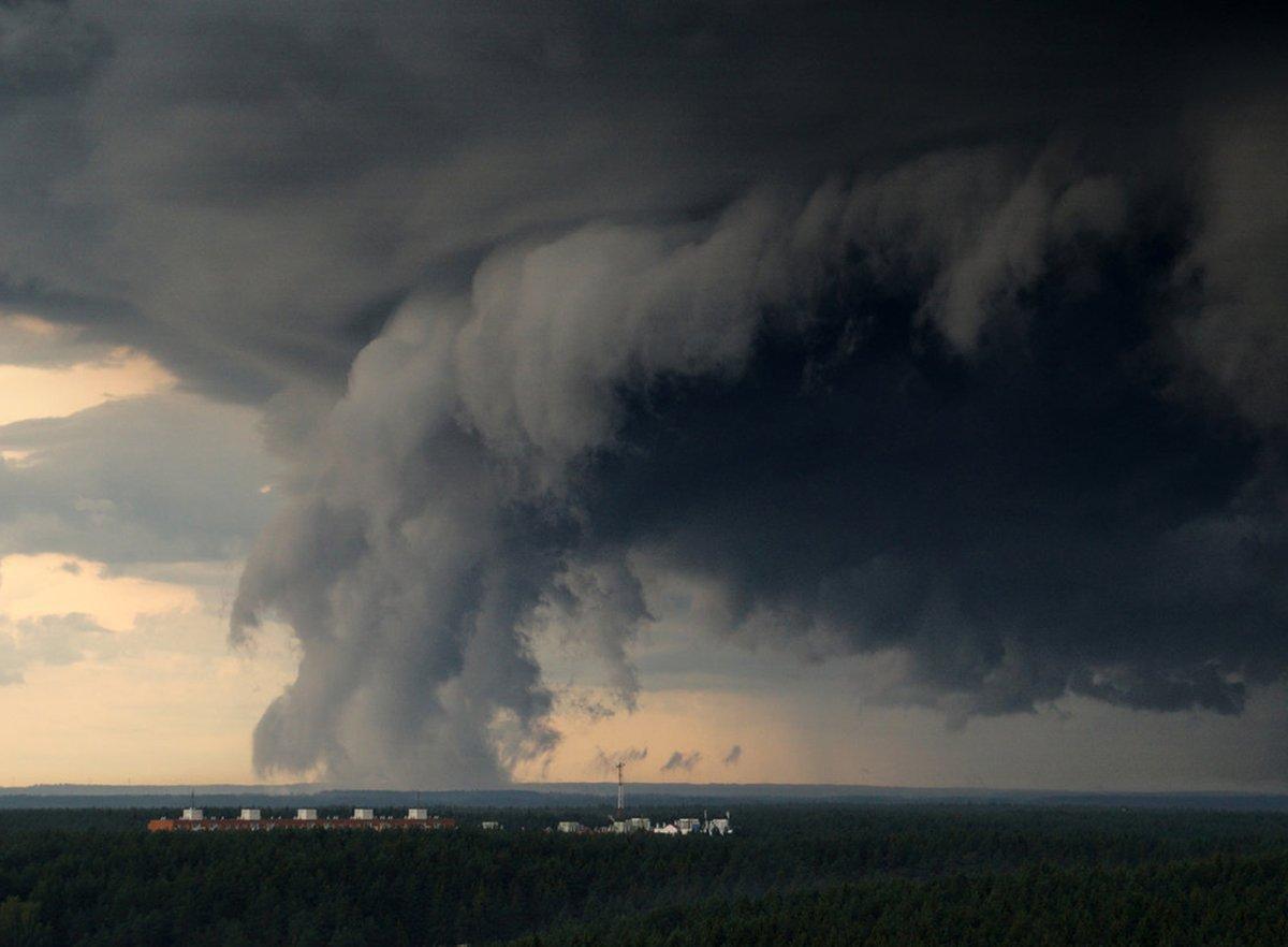 На регионы России обрушилась непогода