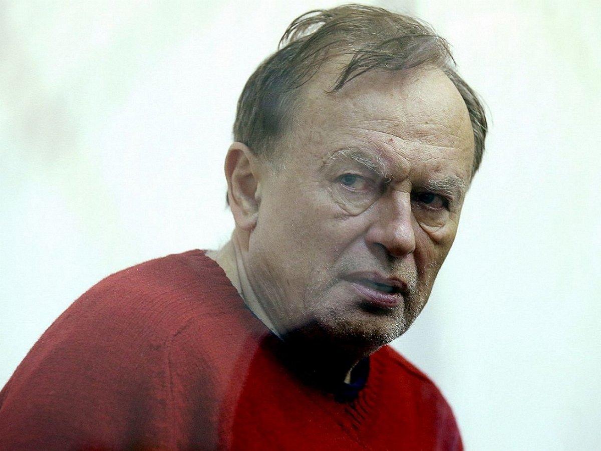 Историк-расчленитель Соколов после убийства аспирантки звонил в посольство Франции