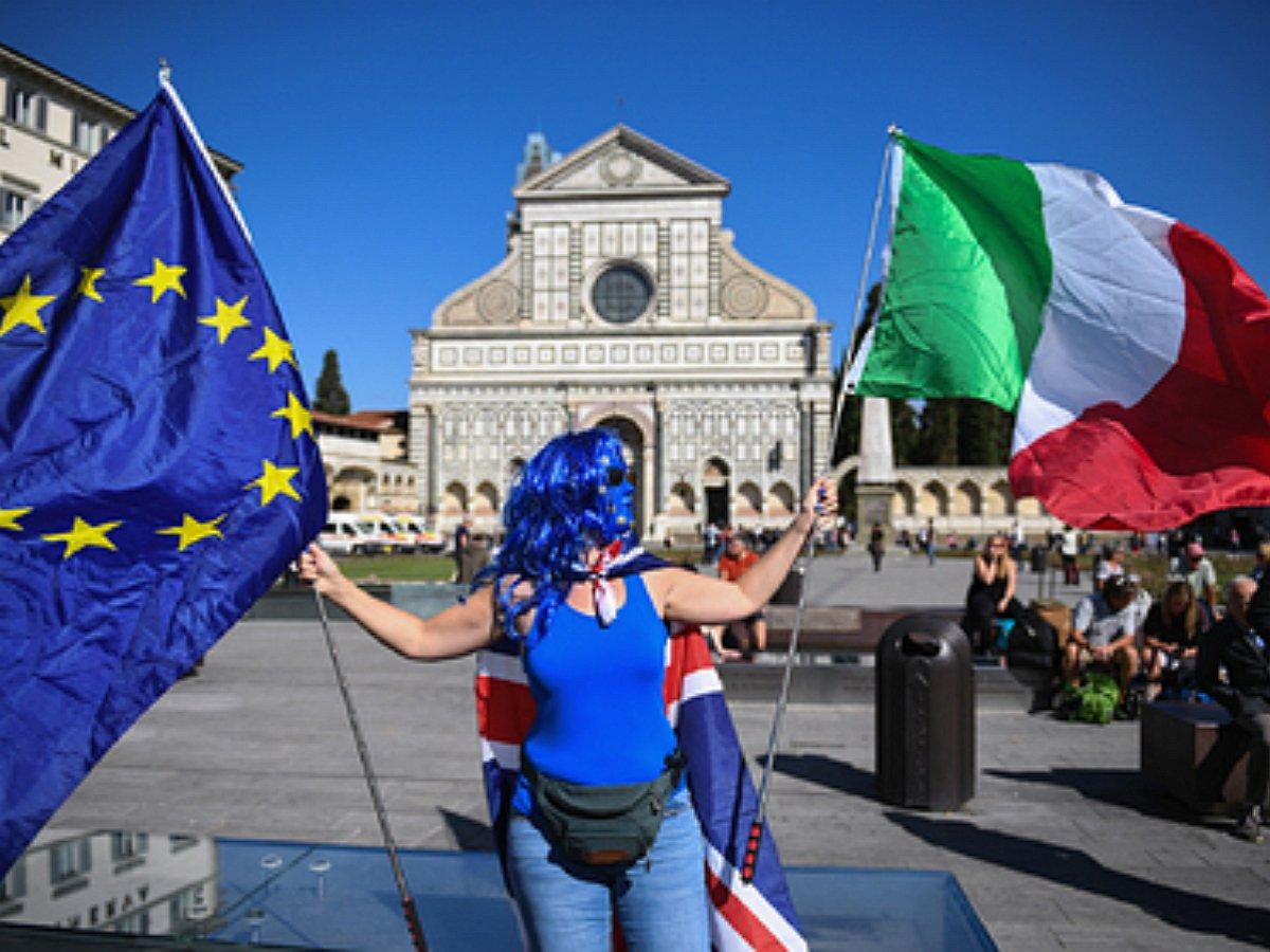 В Италия хочет покинуть ЕС