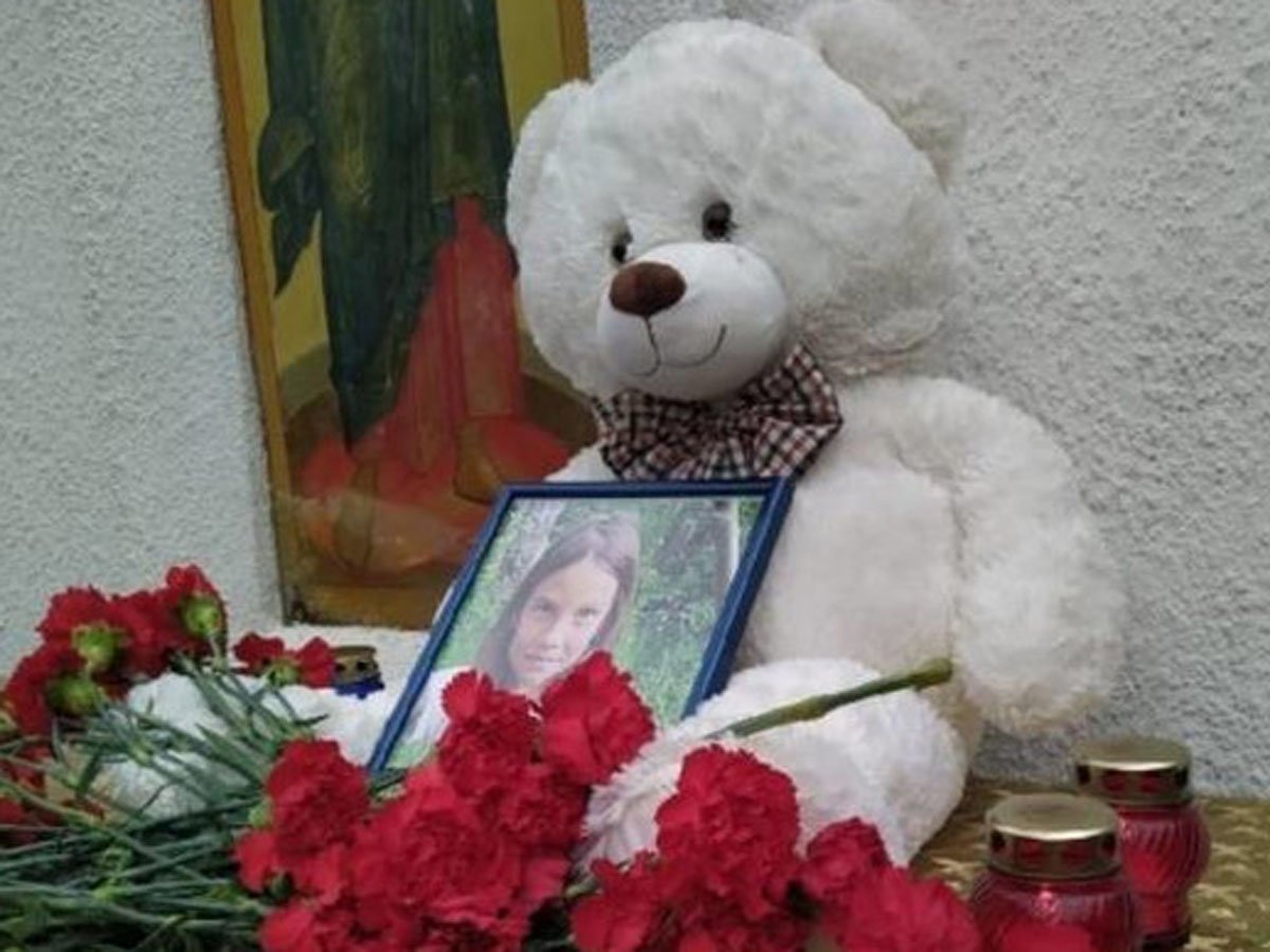 Мать убитой в Южно-Сахалинске девочки исчезла, бросив второго ребенка