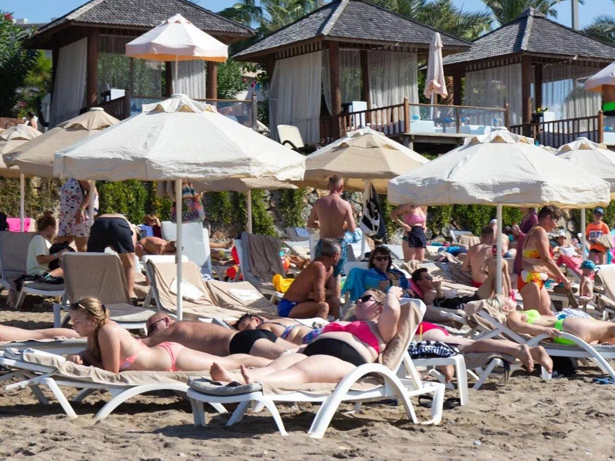 Специалисты посчитали стоимость отдыха в августе 2020