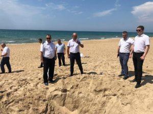 В Анапе дети, играя, закопали в песке младшего брата: ребенок погиб