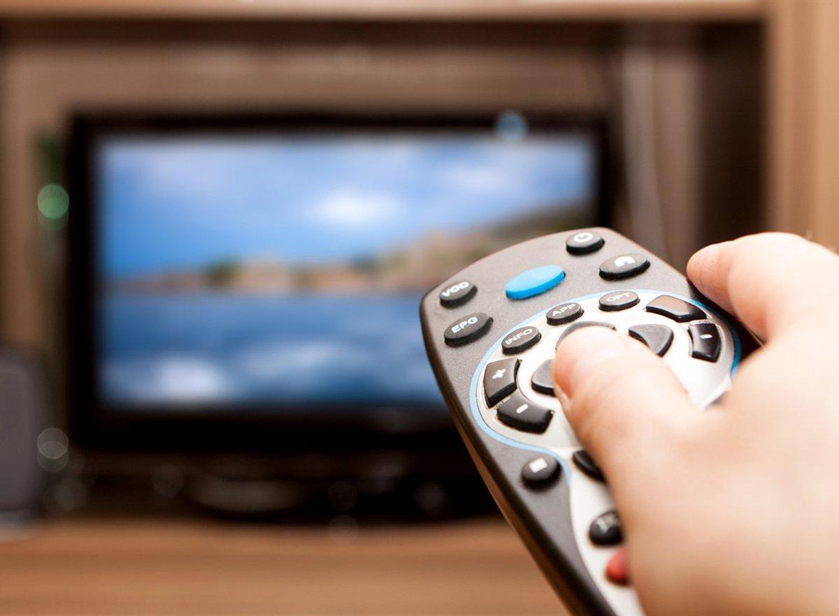 Пульт от телевизора приравняли к электронным сигаретам