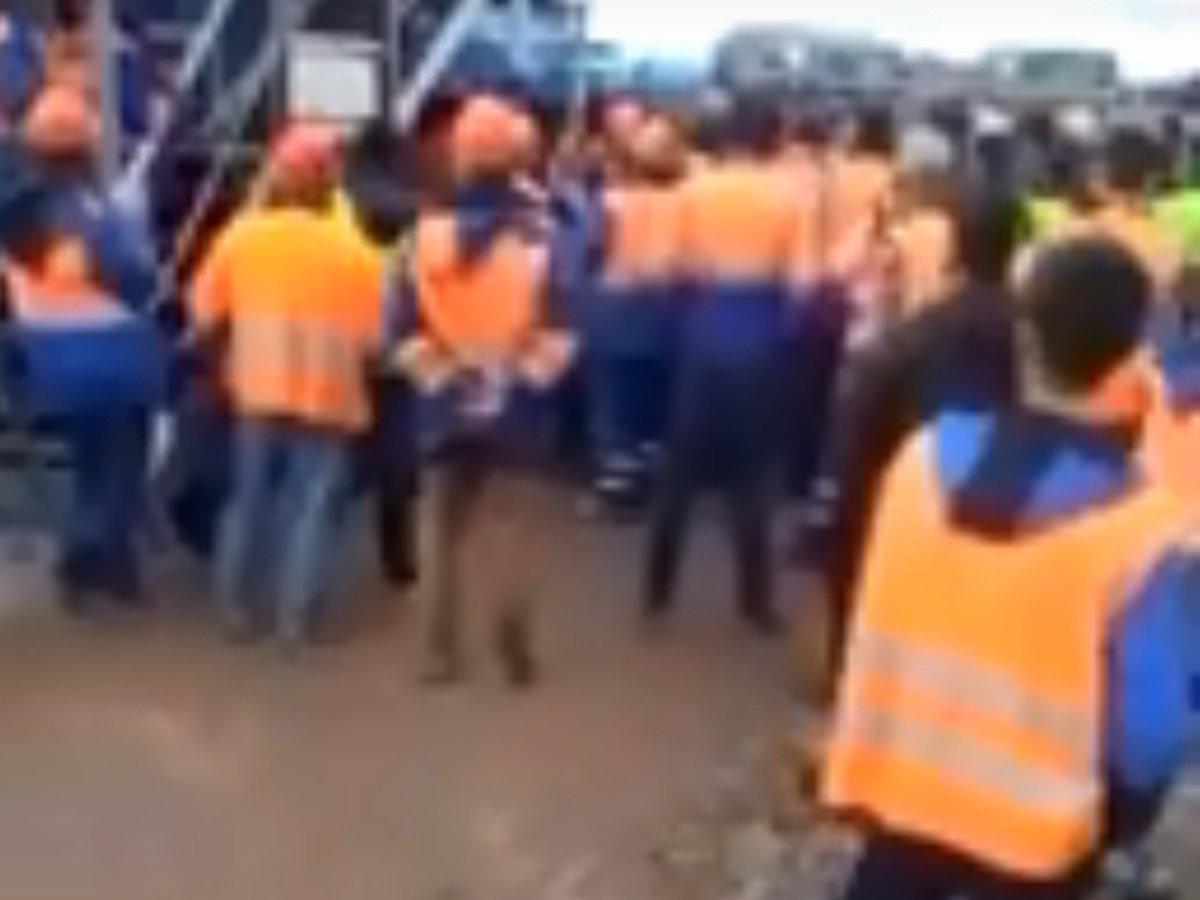Рабочие устроили бунт в Шереметьево