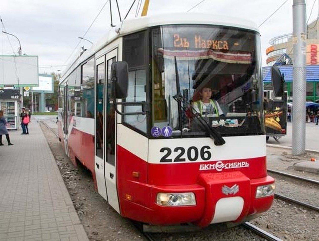 Сибирячка закатила скандал, отказываясь надевать маску в трамвае