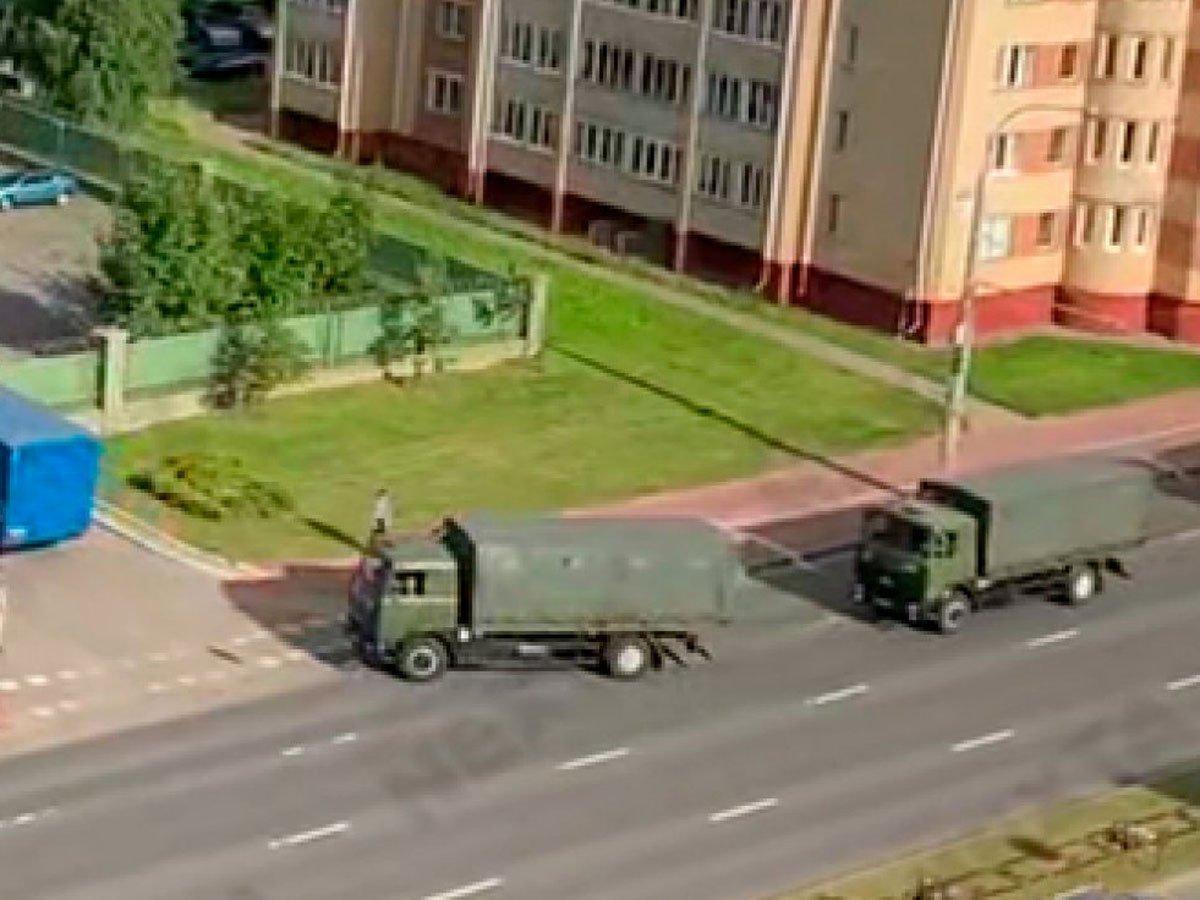 В Минск начали прибывать войска