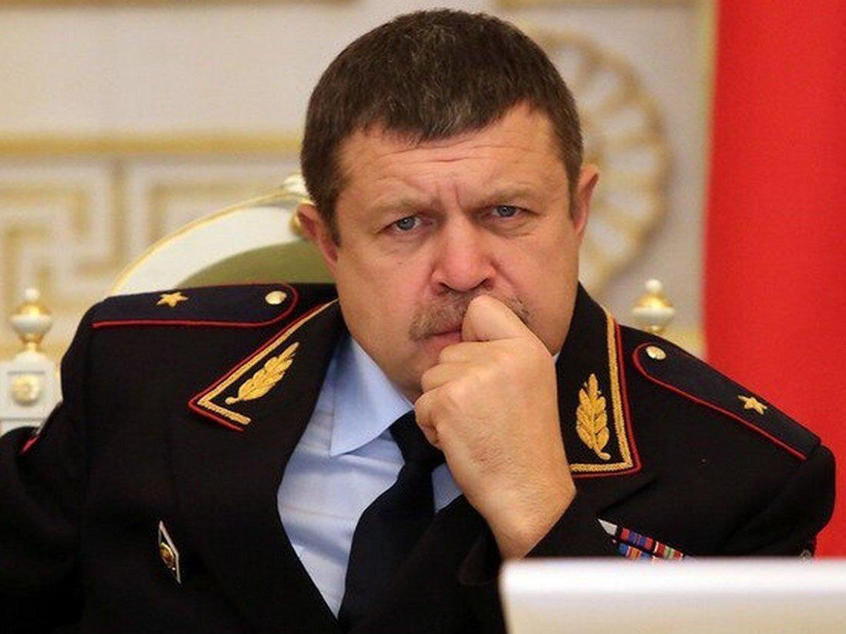В доме бывшего замначальника петербургского главка МВД прошли обыски